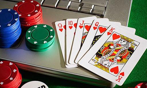 บาคาร่าออนไลน์เว็บไหนดี เป็นรูปแบบการเล่นที่ง่ายๆคล้ายการเล่นป๊อกเด้ง